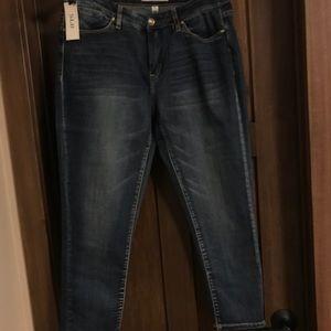SL8 Denim Capri Jean NWT Size 31